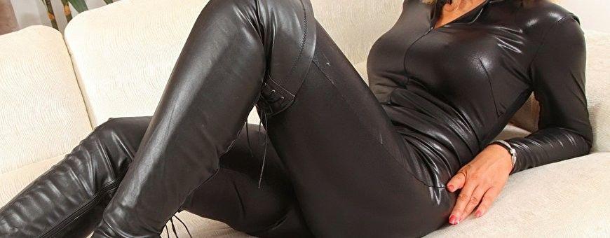 Zwarte glanzend wetlook bodysuits en body's voor aangename prijzen