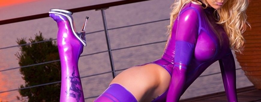 Latex body en catsuits